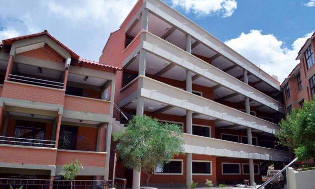 Facultad de Económia: Entrega provisional de su nuevo bloque