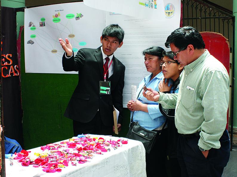 En Feria Nacional Tecnológica  CARRERAS DE INGENIERÍA INDUSTRIAL EXPUSIERON INNOVACIONES CIENTÍFICAS